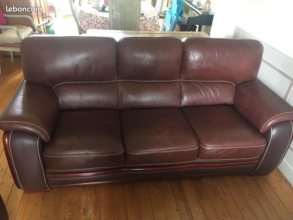Canapé 3 places, et fauteuil confortable, beau cuir épais, d 800 Muzy (27)