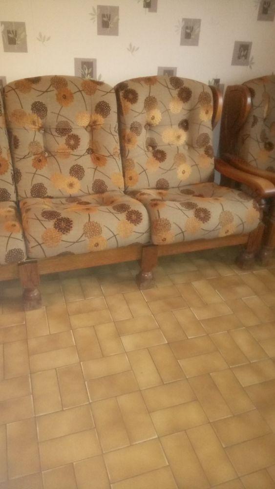 Canapé 3 places et un fauteuil une place  150 Saint-Nicolas (62)