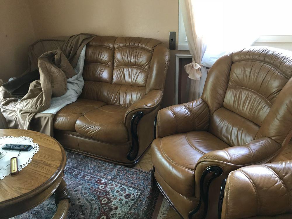 canapé 3 places plus 2 fauteuils cuir 680 Reims (51)