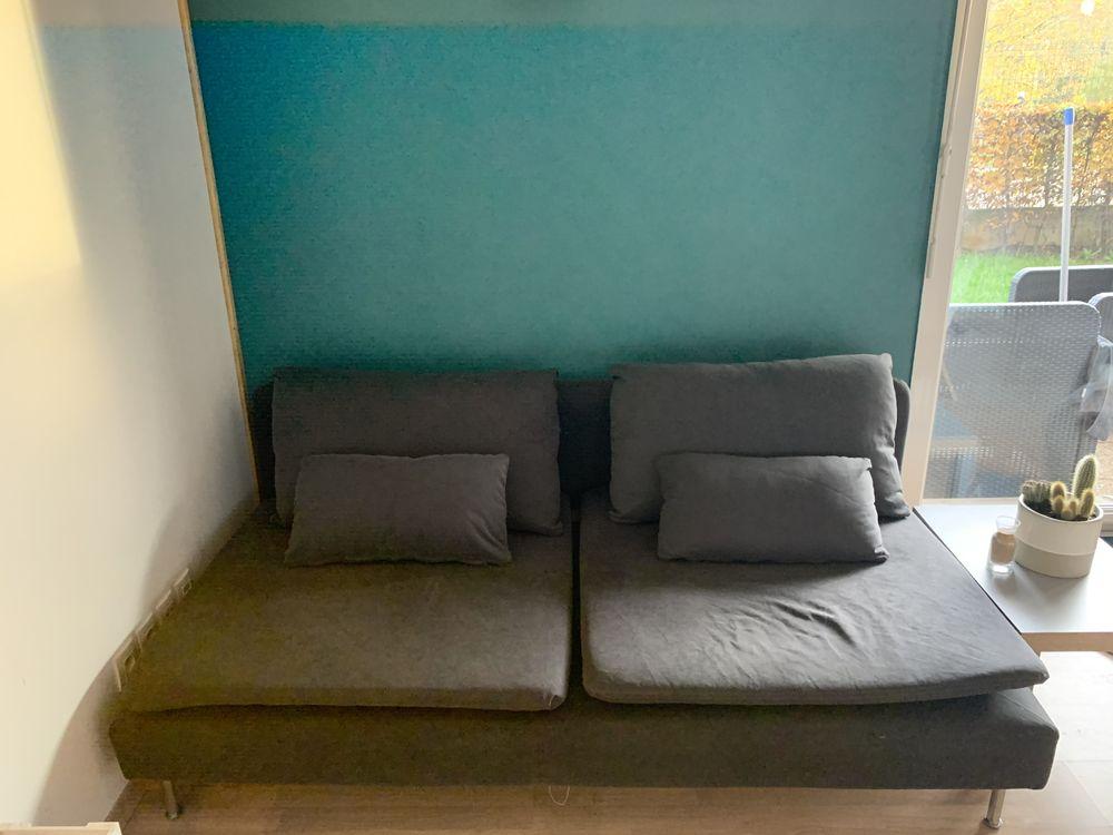 Canapé 3 places en tissu gris foncé  400 La Bassée (59)