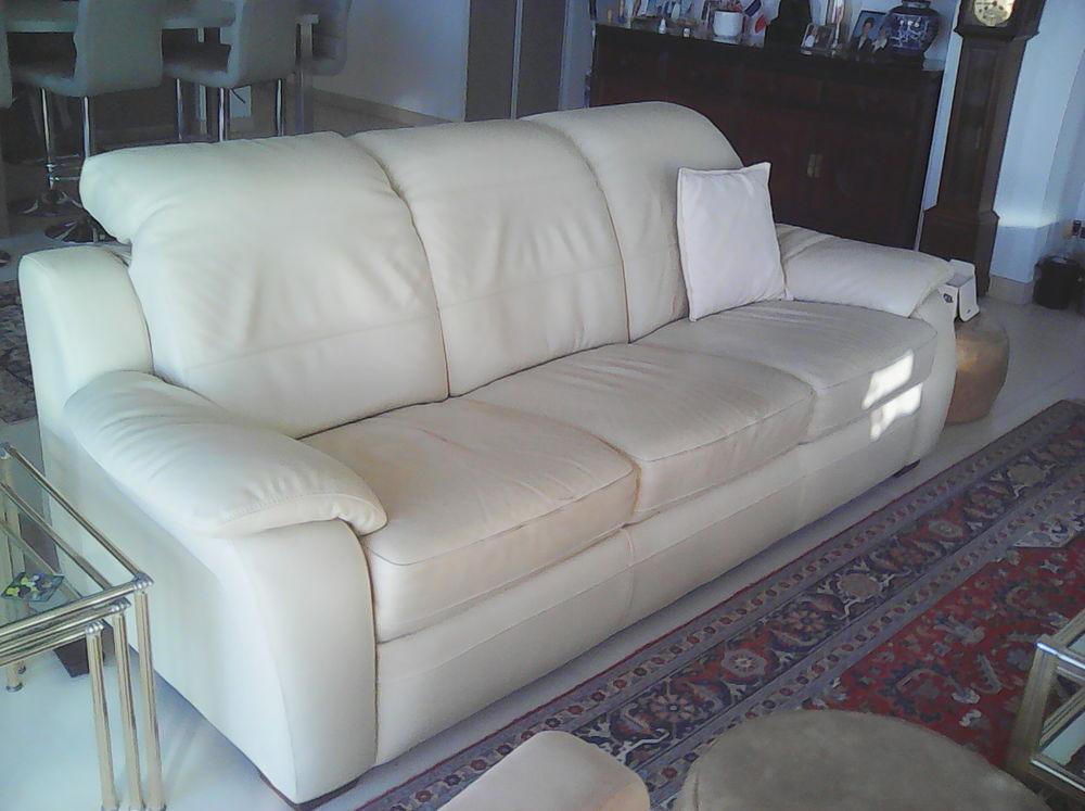 canap s occasion montpellier 34 annonces achat et vente de canap s paruvendu mondebarras. Black Bedroom Furniture Sets. Home Design Ideas