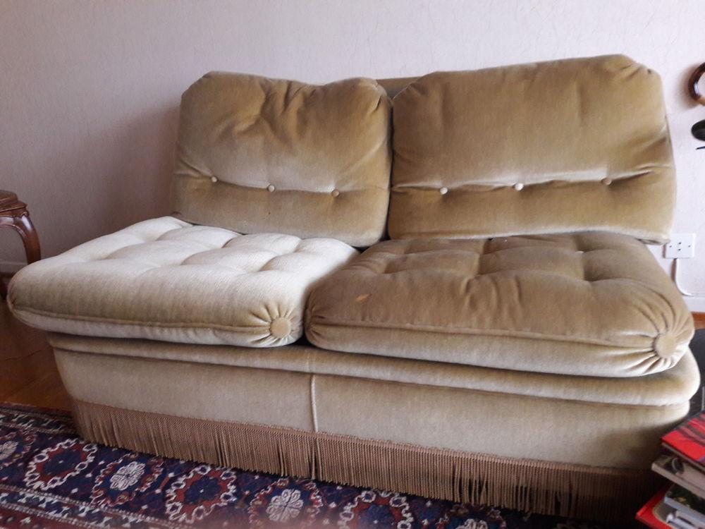 lits occasion strasbourg 67 annonces achat et vente de lits paruvendu mondebarras. Black Bedroom Furniture Sets. Home Design Ideas