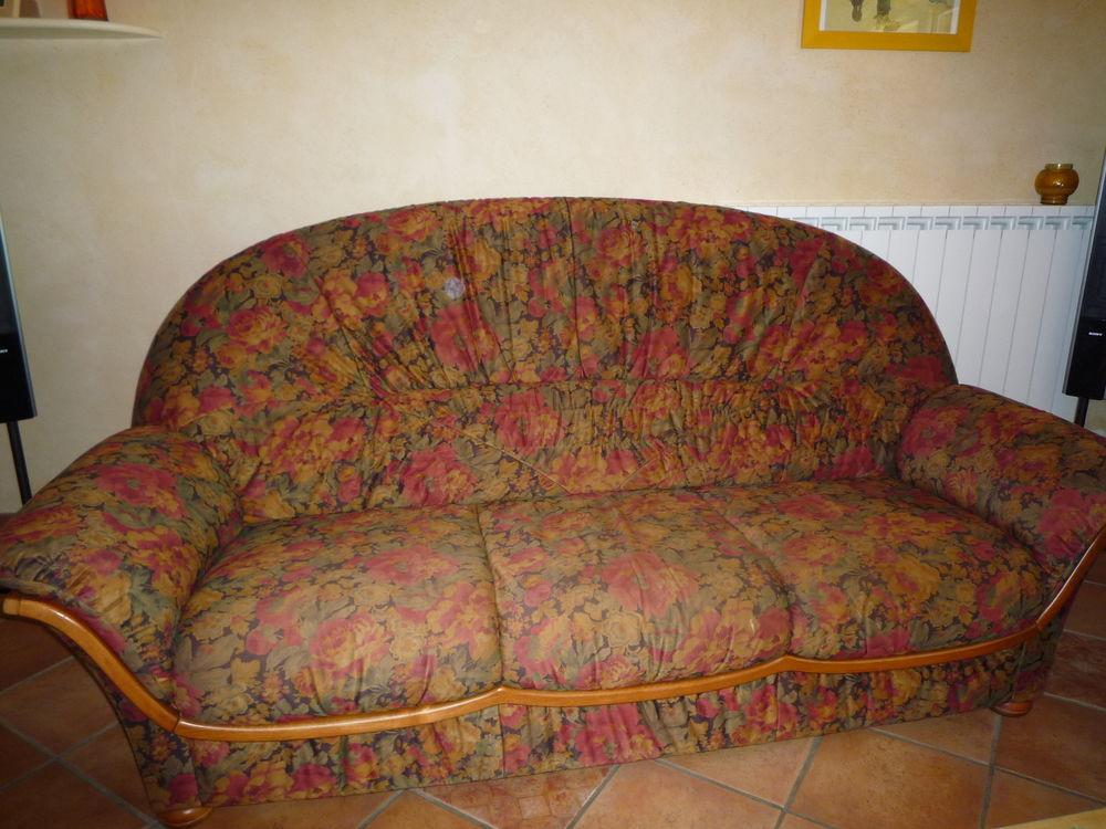 Canapé 3 places  70 Bazus (31)
