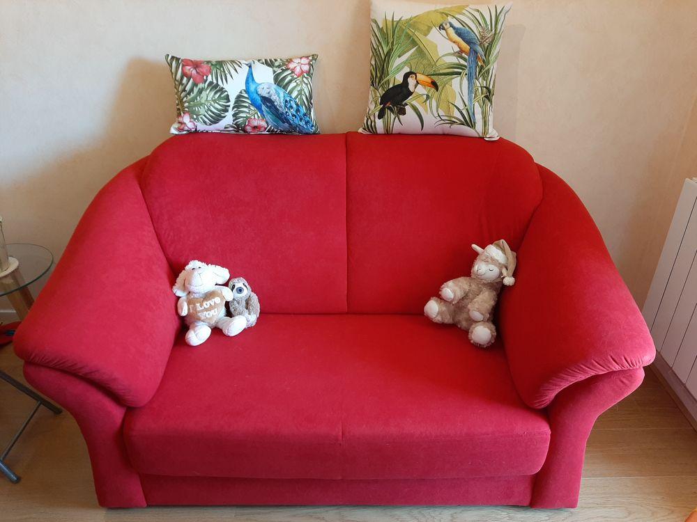 Canapé rouge en velours Meubles