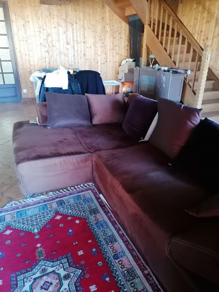 Canapé en suédine  250 Taupont (56)