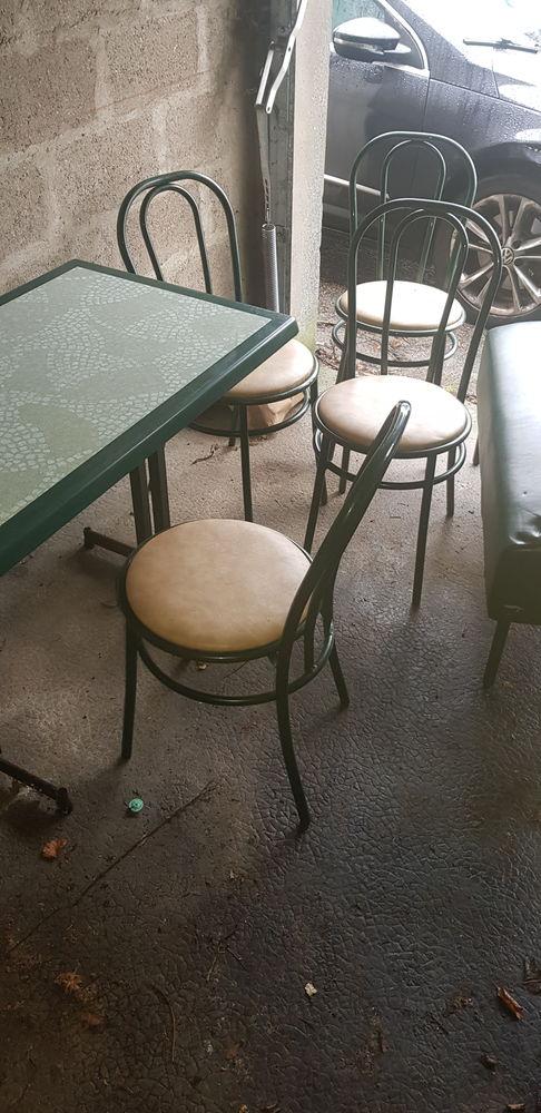 Canape table et chaise de bar 0 Rouen (76)