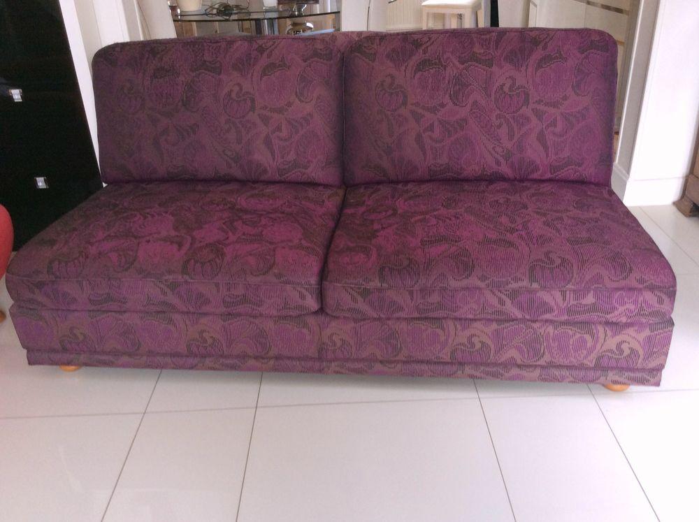 canapé en tissu violet 100 Clermont-Ferrand (63)