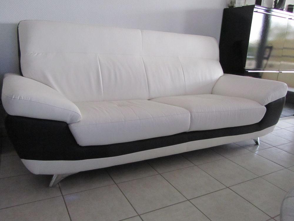 canap s 2 places occasion vendenheim 67 annonces achat et vente de canap s 2 places. Black Bedroom Furniture Sets. Home Design Ideas