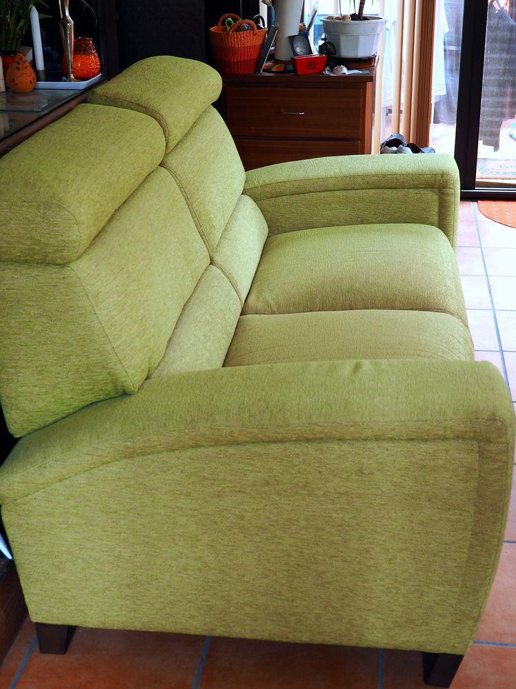 Canapé vert pomme  300 Grayan-et-l'Hôpital (33)