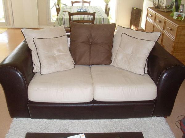 canap s occasion nantes 44 annonces achat et vente de canap s paruvendu mondebarras page 13. Black Bedroom Furniture Sets. Home Design Ideas