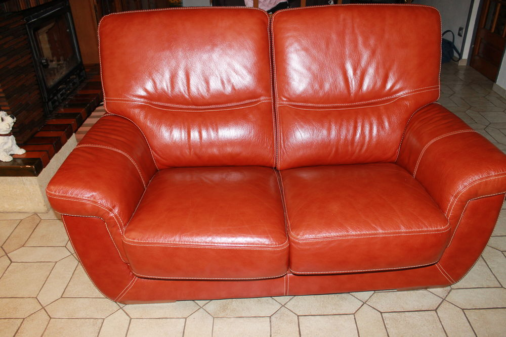 2 CANAPES CUIR BUFFLE ROUGE 400 Proville (59)