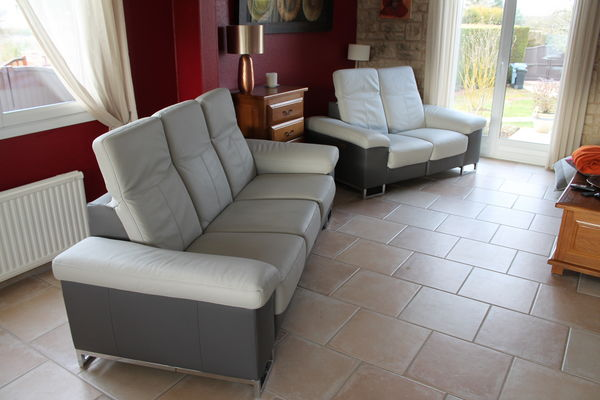 canap s en cuir occasion dreux 28 annonces achat et vente de canap s en cuir paruvendu. Black Bedroom Furniture Sets. Home Design Ideas