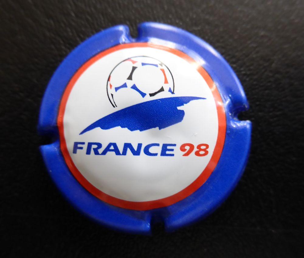 1 CAPSULE DE CHAMPAGNE  France 98 5 Soissons (02)