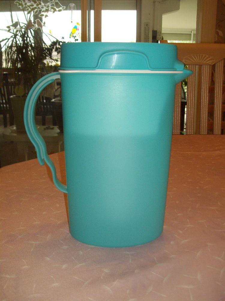 Carafe filtrante 2 litres + 6 recharges (NEUF) 28 Seillons-Source-d'Argens (83)