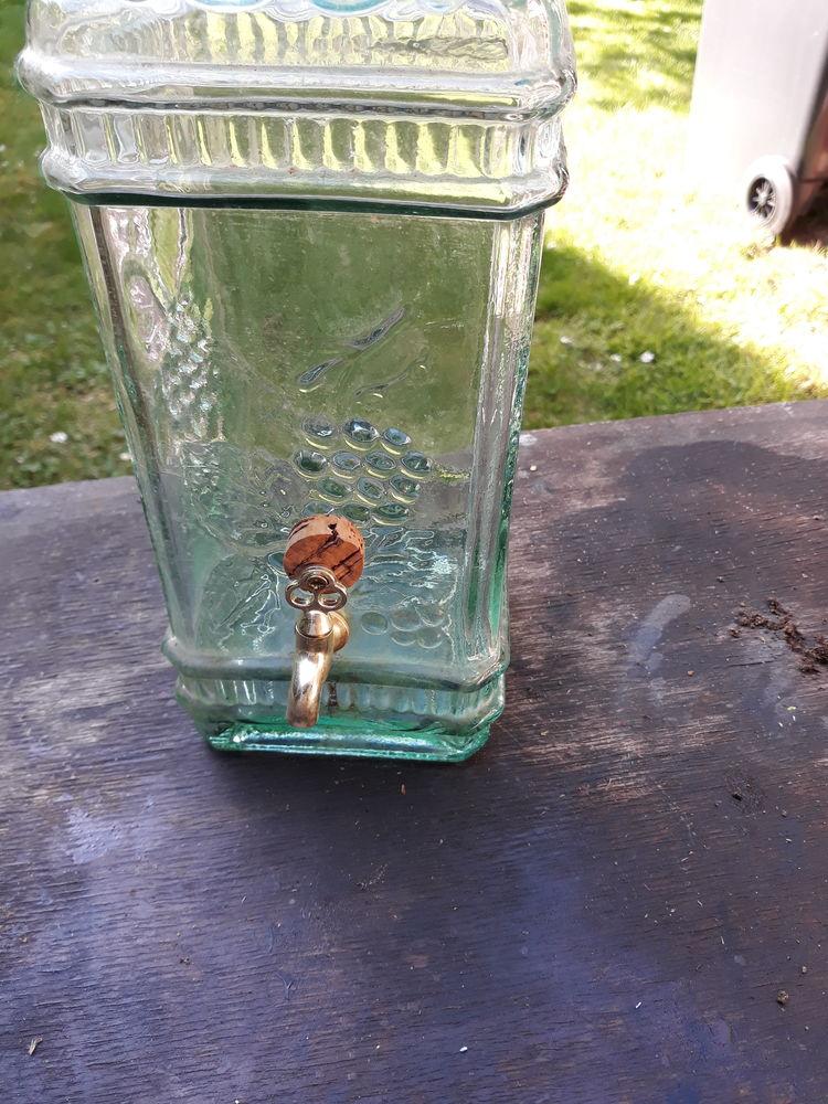 carafe verre avec robinet  10 Margency (95)