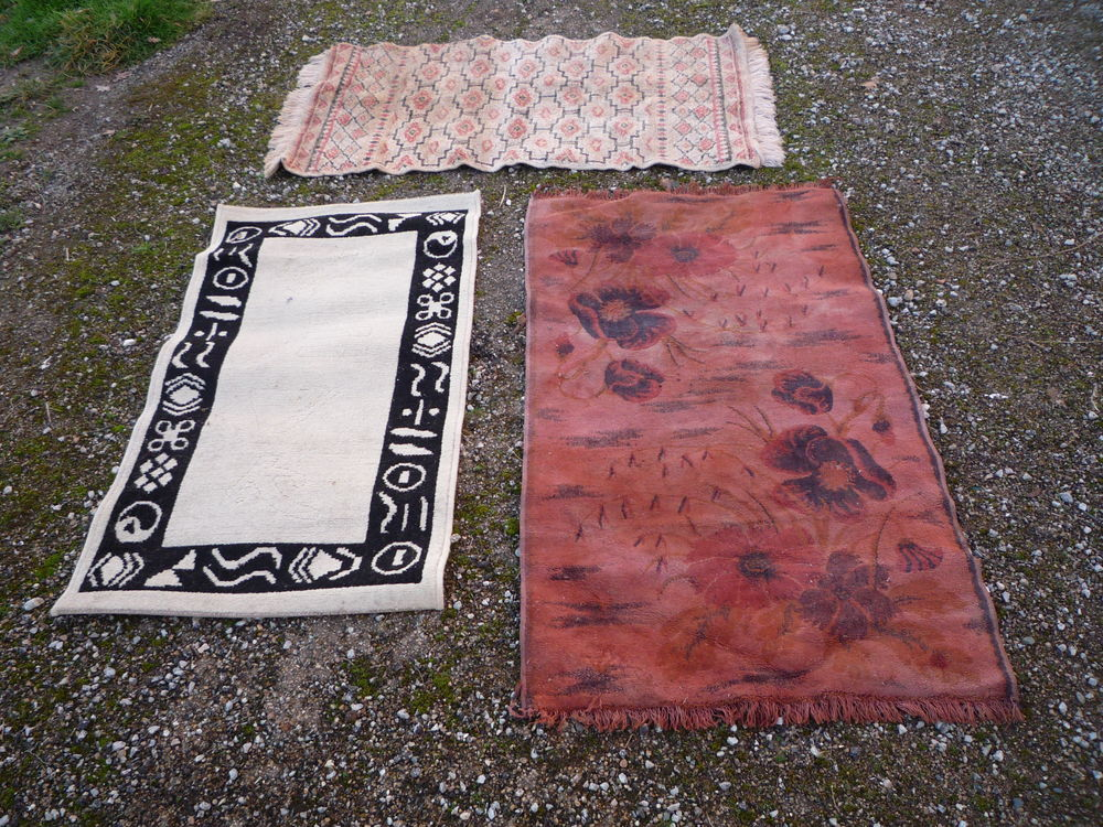 Carpette/tapis rose 125cm x 67cm blanc 107cm x 59cm géométri 5 Castres (81)