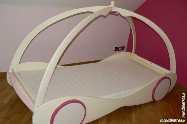 Cool lit carrosse fille sommier matelas meubles with but lit carrosse - Chambre princesse carrosse ...