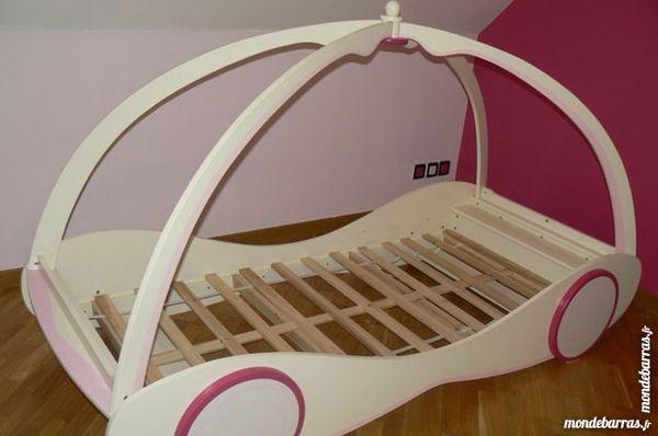simple achetez lit carrosse fille occasion annonce vente meurchin wb with lit carrosse occasion. Black Bedroom Furniture Sets. Home Design Ideas