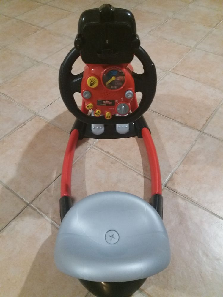 Cars 3 v8 driver + support smartphone Jeux / jouets