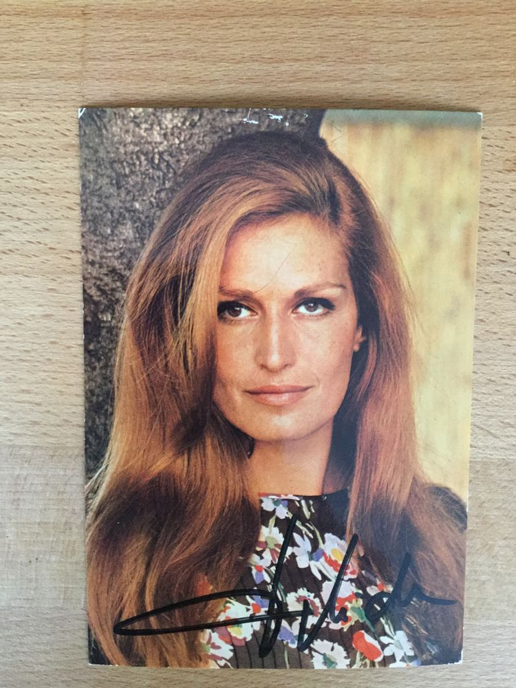 Carte Postale nelle dédicacée de Dalida 50 Avon (77)