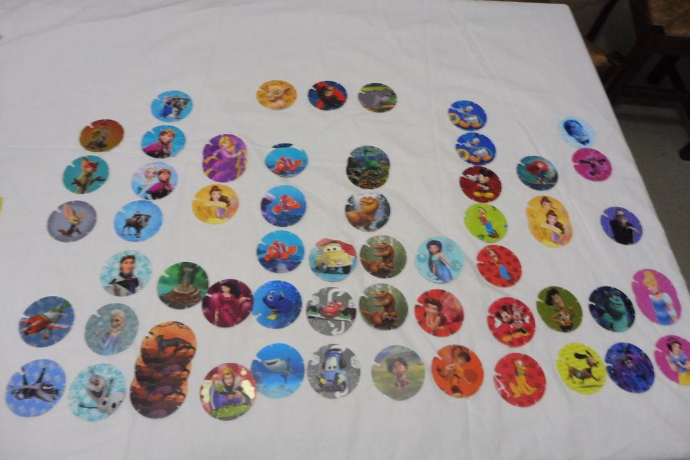 61 cartes Disney Pixar (ronde et crantés) 2 Amiens (80)
