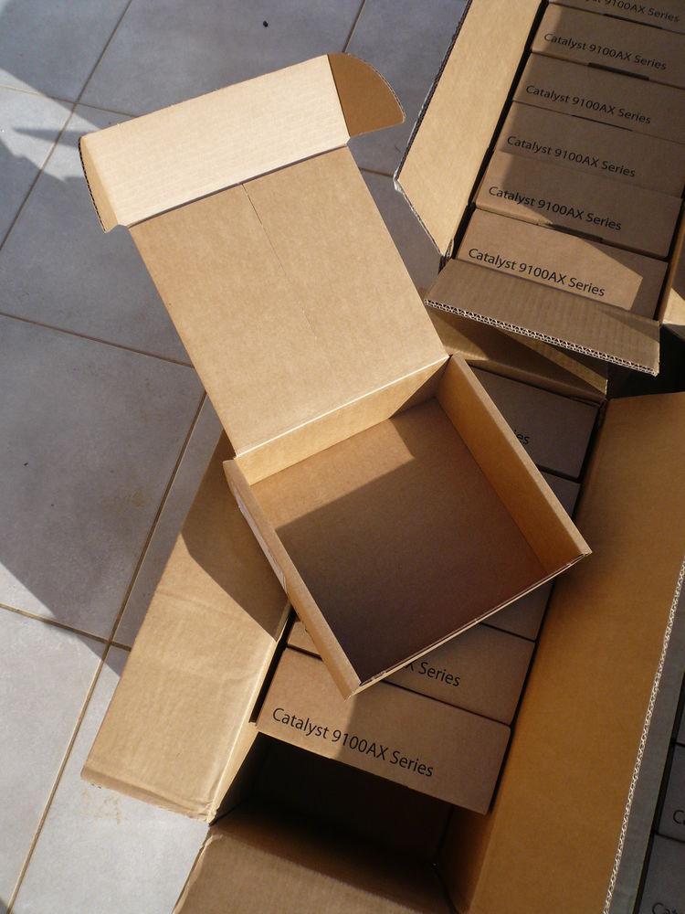 Lot de cartons boites vides 1 Boisset-et-Gaujac (30)