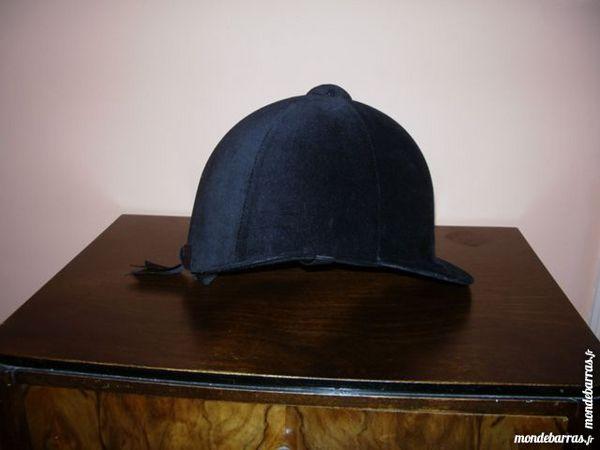 casque d'équitation en velours noir de Fouganza 7 Reims (51)