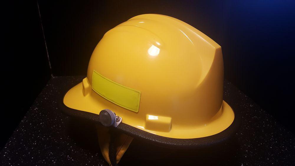 Casque de pompier américain / us 90 Hasparren (64)