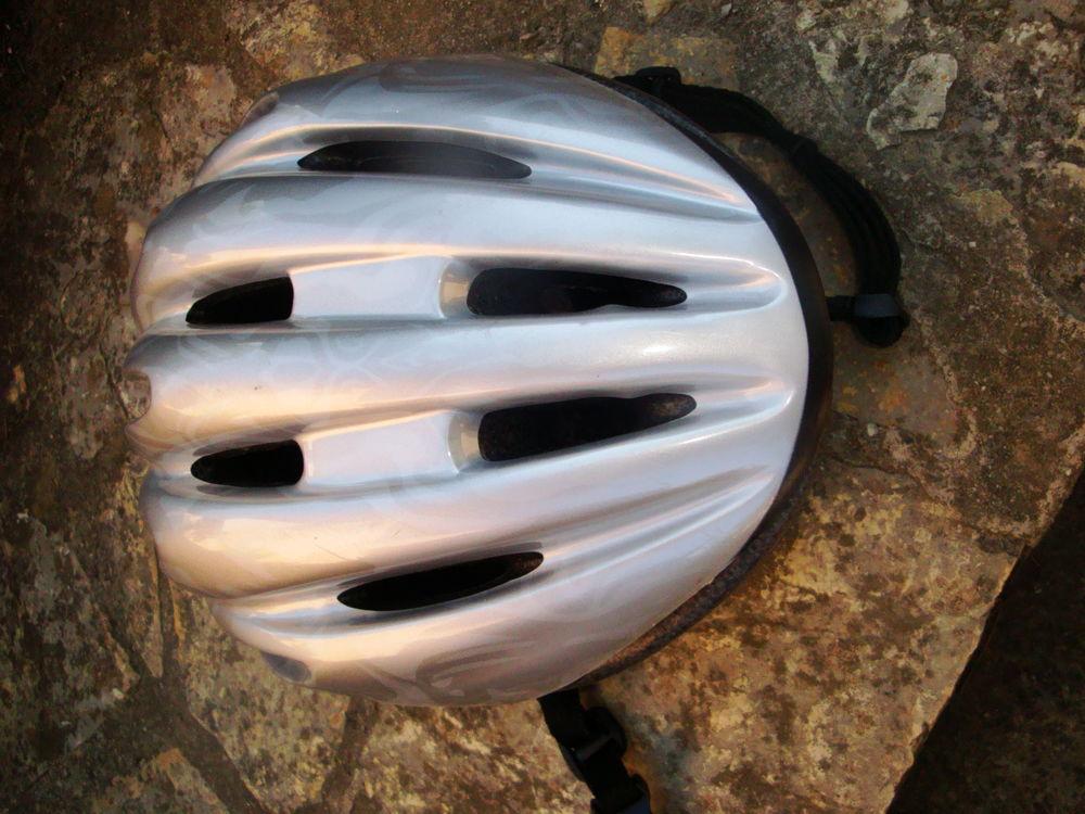 Casque pour vélo marque OKTOS neuf 10 Nimes (30)