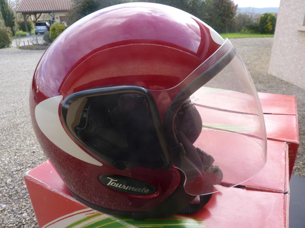 Casques moto 100 Saint-Étienne-du-Bois (01)