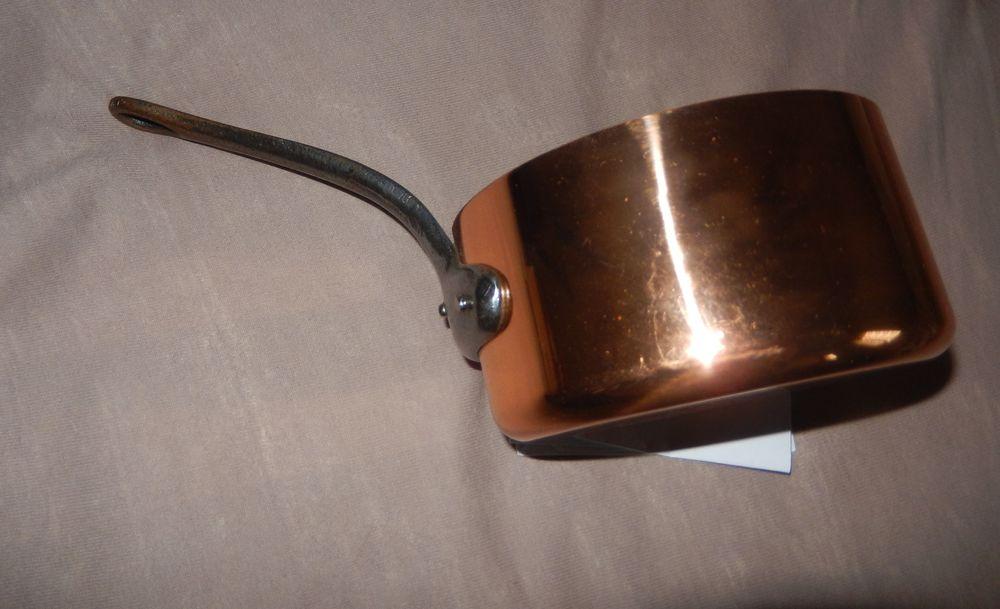 Casserole cuivre manche fonte  6 Saint-Jean-du-Cardonnay (76)