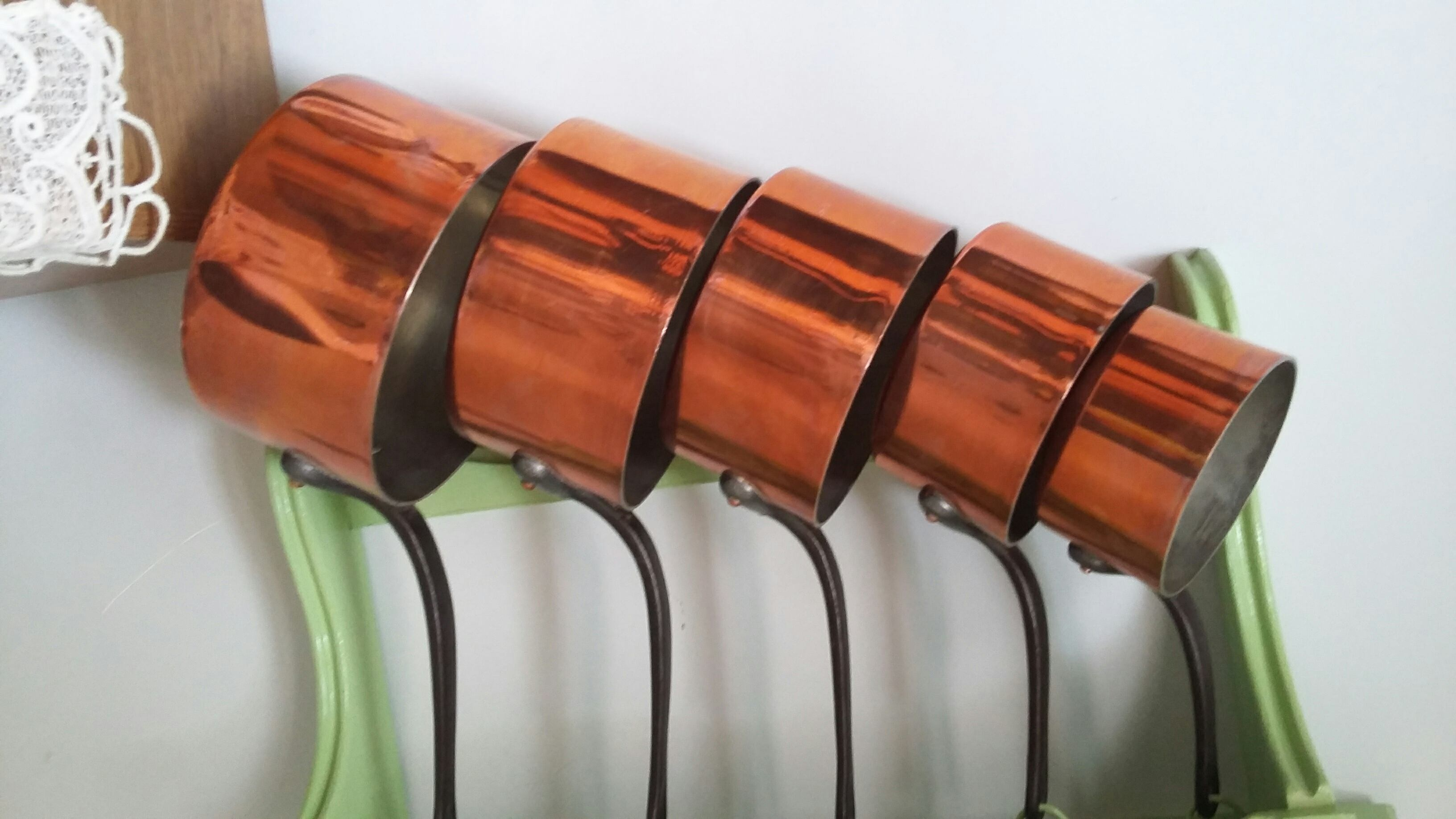 casseroles en cuivre occasion annonces achat et vente de casseroles en cuivre paruvendu. Black Bedroom Furniture Sets. Home Design Ideas