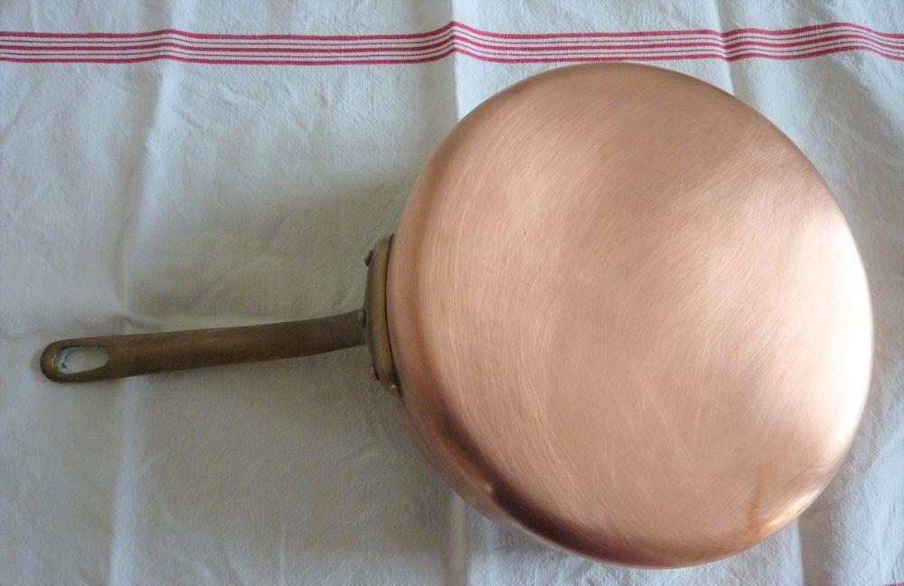 Casserole sauteuse cuivre rouge de Villedieu Diam. 24 cm 50 Orsay (91)