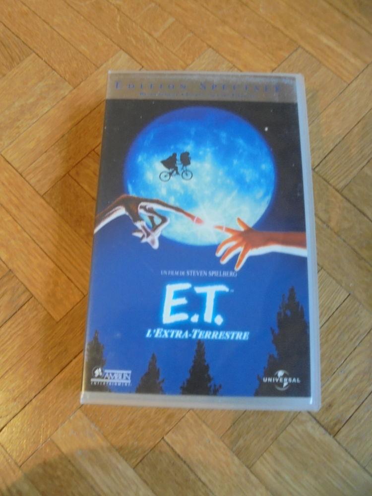 Lot de 3 cassettes  fantastiques et horreur  (48) 3 Tours (37)