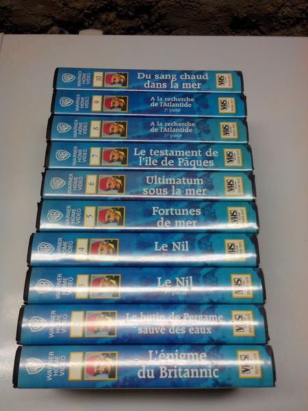 cassettes videos VHS  30 Manosque (04)