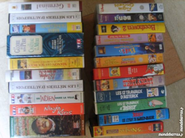 Lot de cassettes vidéos VHS DVD et blu-ray