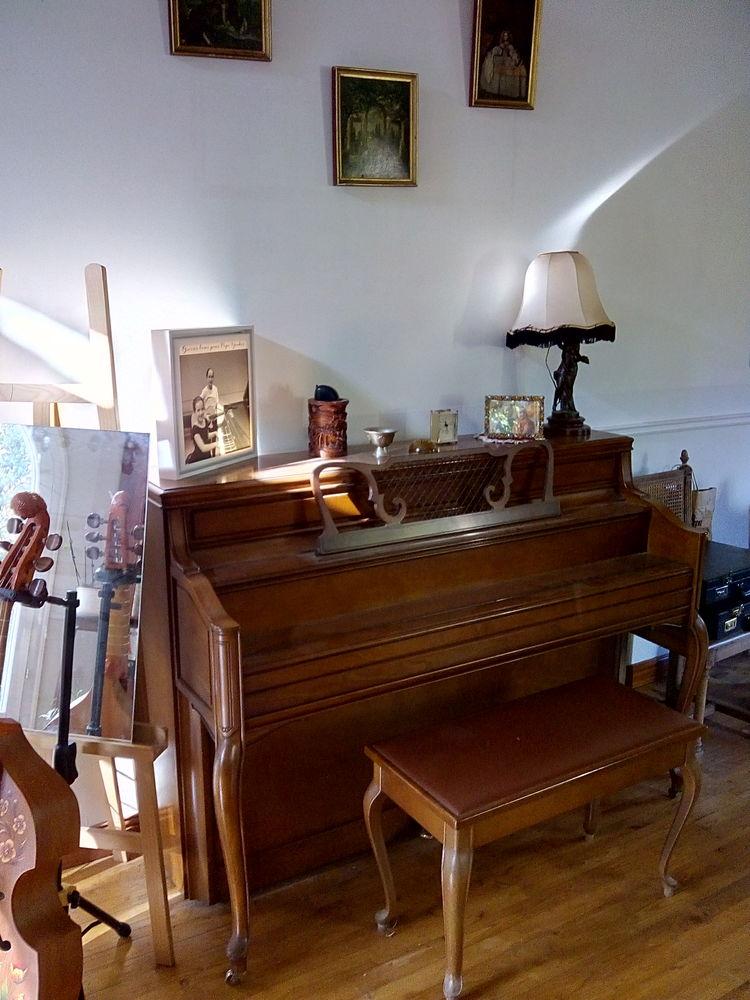 Cause acquisition piano à queue, Piano droit Yamaha 2000 Louchats (33)