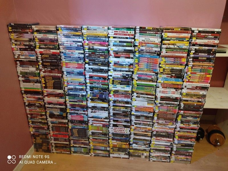 cause cessation activité vd lot de 697 dvd neuf sous blister DVD et blu-ray
