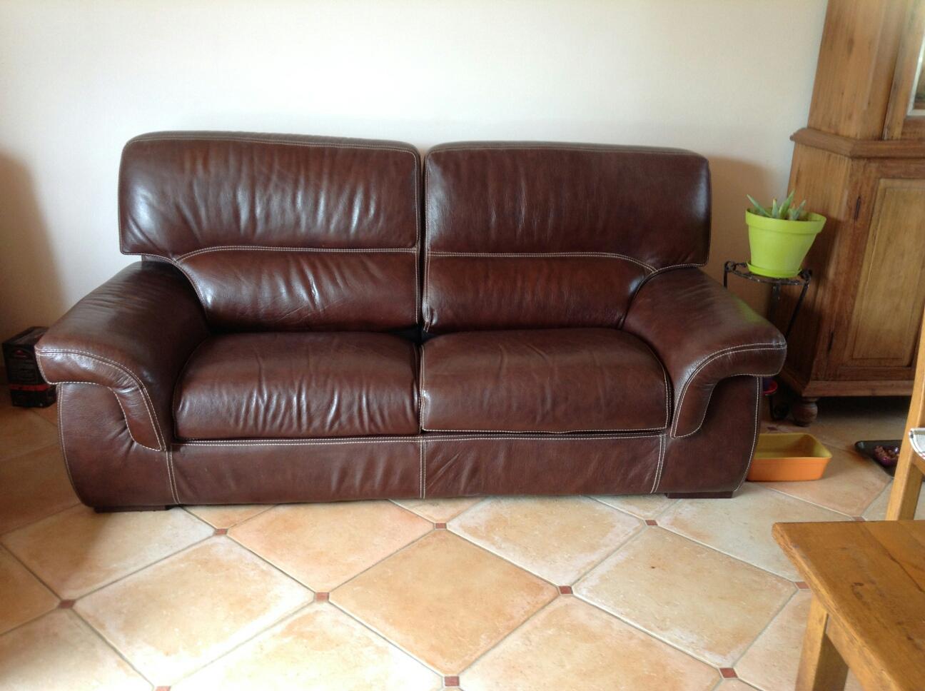 canap s en cuir occasion en vend e 85 annonces achat et vente de canap s en cuir paruvendu. Black Bedroom Furniture Sets. Home Design Ideas