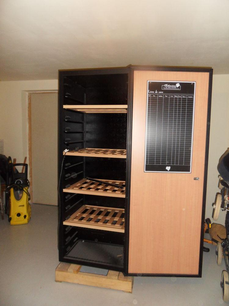 caves vins occasion annonces achat et vente de caves. Black Bedroom Furniture Sets. Home Design Ideas