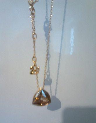 Cède bijou Swarovski pendentif champagne et plaqué or 39 Saint-Raphaël (83)