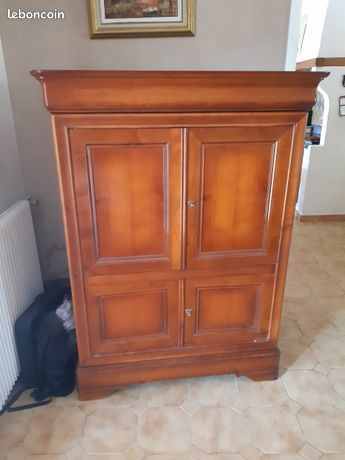 Cede au plus offrant meuble armoire télé pour changer déco  0 Le Pontet (84)