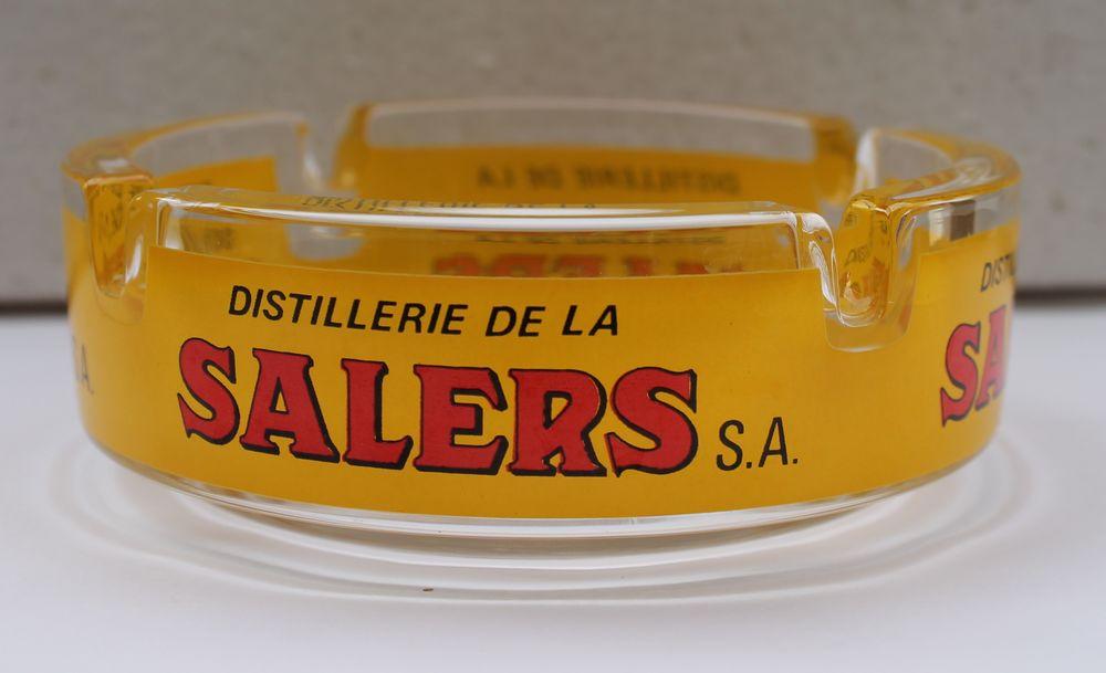 Cendrier (4 cigarettes)   Distillerie de la SALERS  S.A.  10 Vitry-sur-Seine (94)
