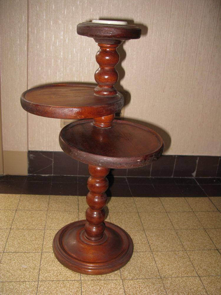 cendrier +table de fauteuil 35 Étaples (62)