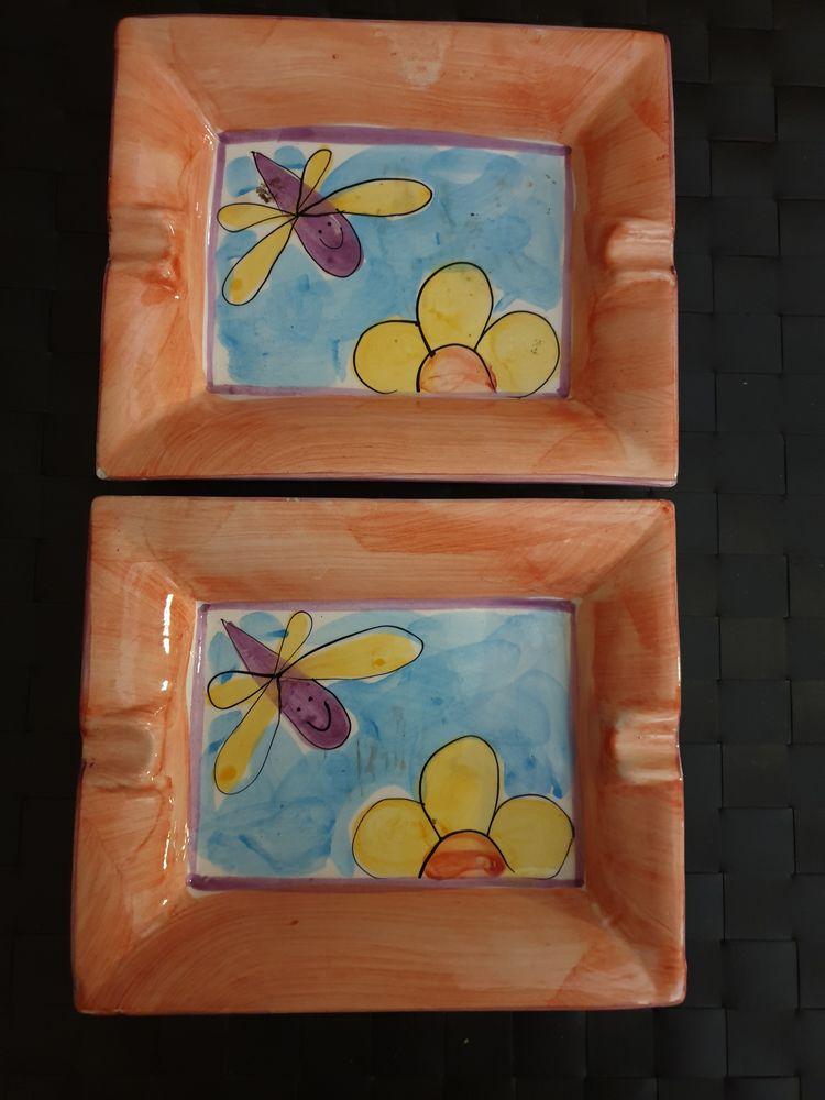 Lot de 2 Cendriers ou vide-poches en céramique, 18 cmx15 cm 6 Voisins-le-Bretonneux (78)