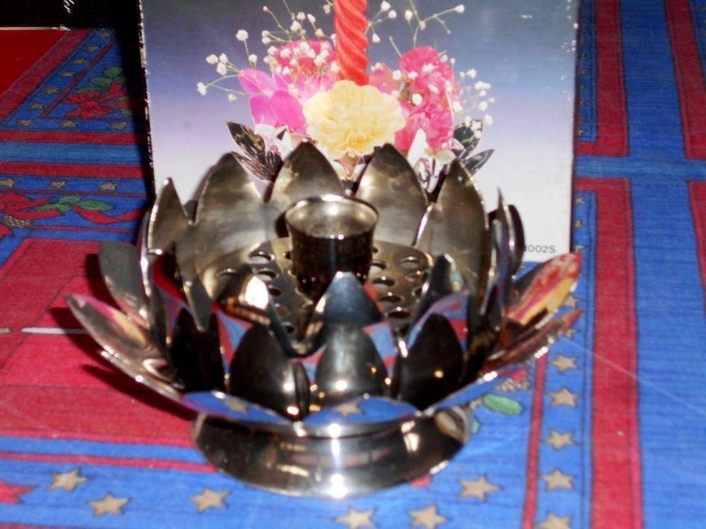 Centre de table bougeoir Lotus métal argenté 35 Monflanquin (47)