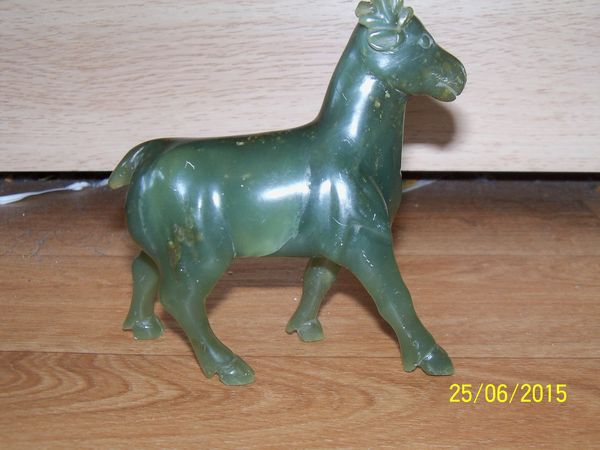 cerf en pierre verte 85 Lons-le-Saunier (39)