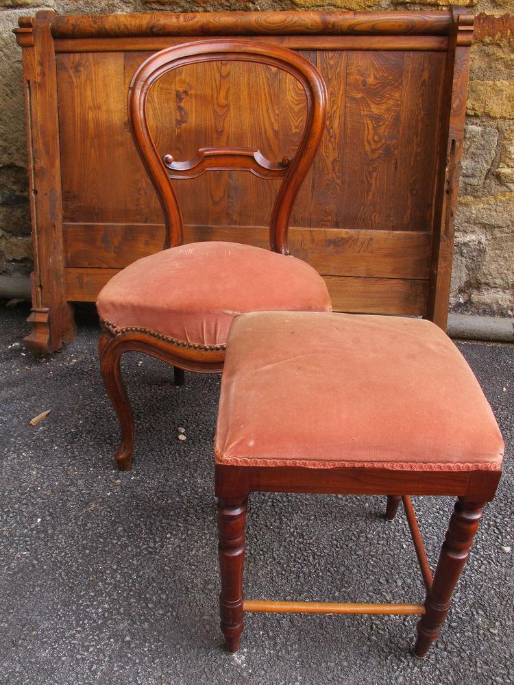 Chaise ancienne tapissée + tabouret repose pied 45 Parent (63)