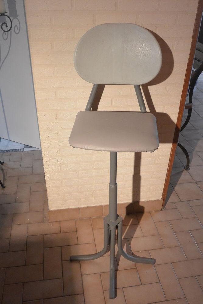 chaise  d'atelier 60 Randan (63)