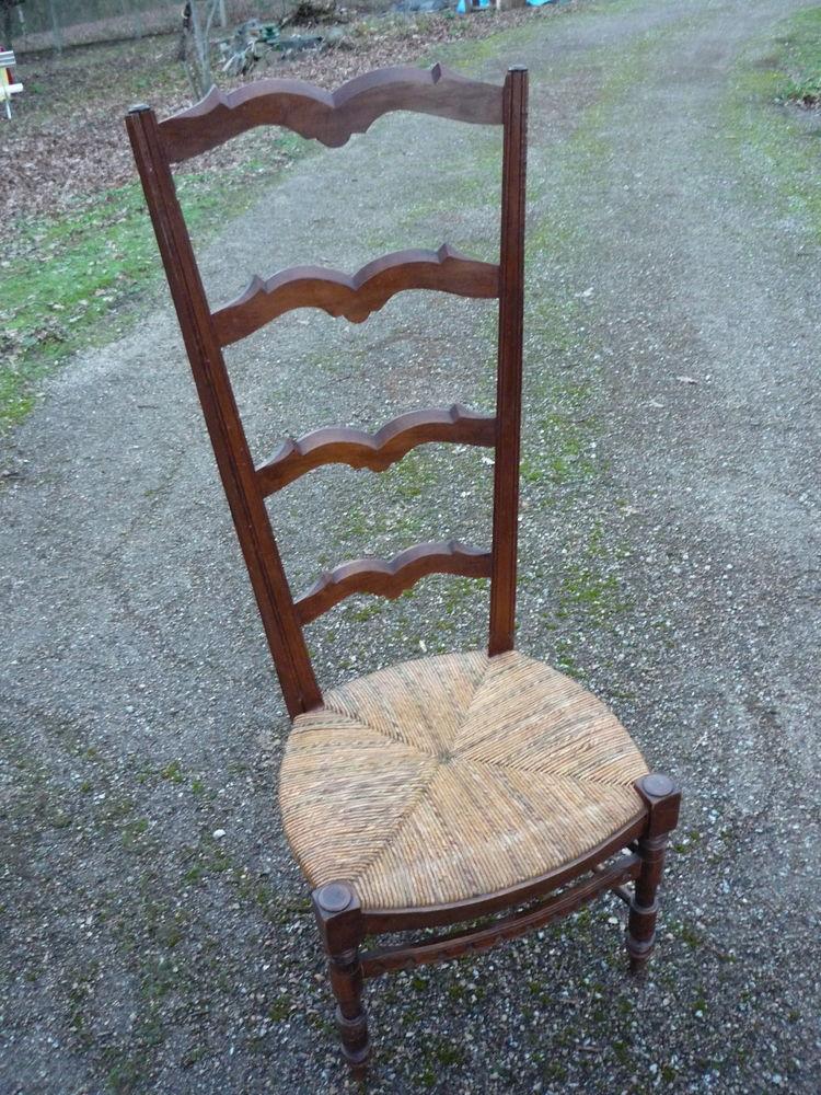 Chaise basse à langer/nourrisse/cheminée 85 Castres (81)